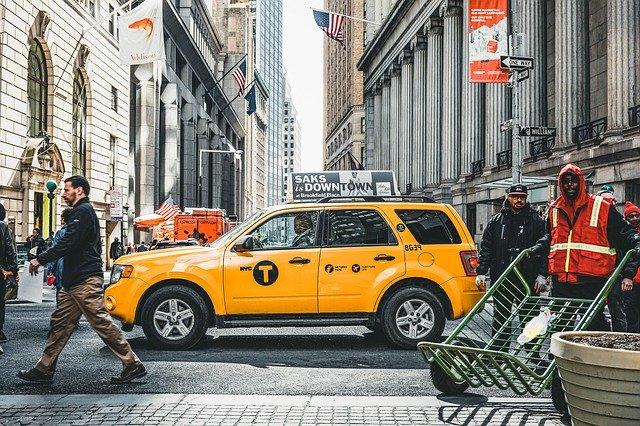 מונית גדולה ברמת גן